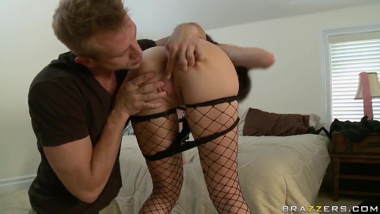 Hot Nude gallery Milf sweeties foot plays and sucks cocks