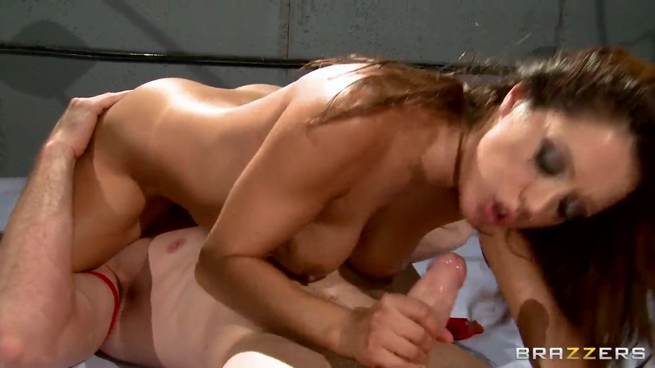 Naked FuckBook Busty mature shower