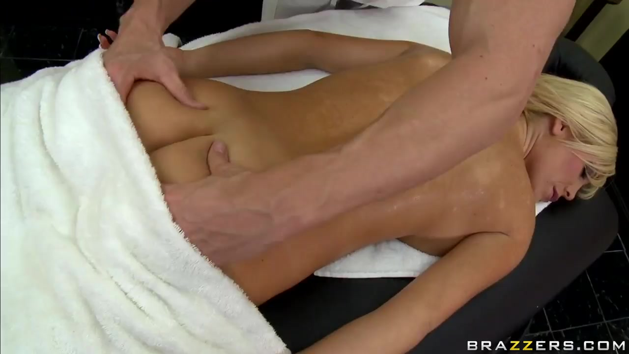 MILF lessons with Bailey Brookes. Quality porn