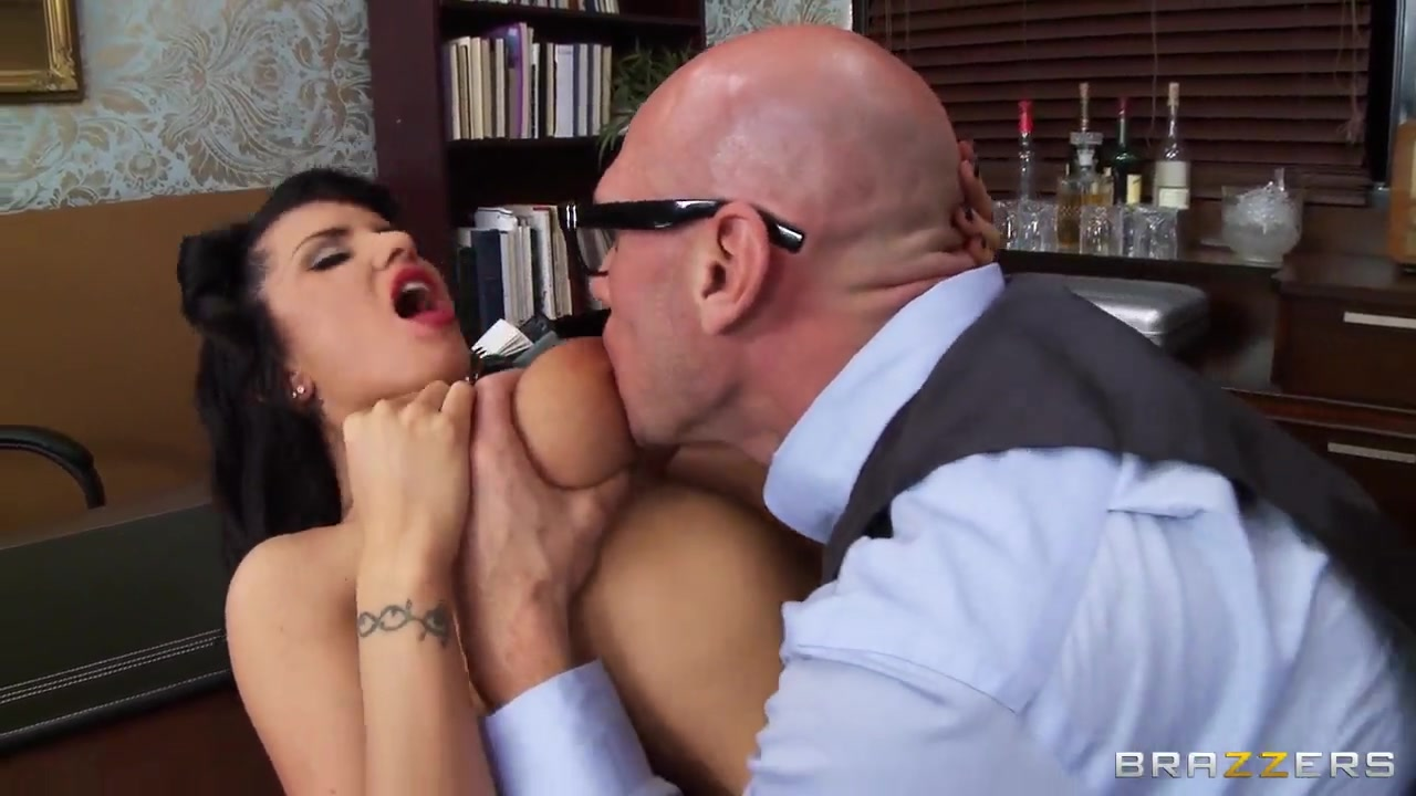 Nina hartley milfs like it big Porn pic