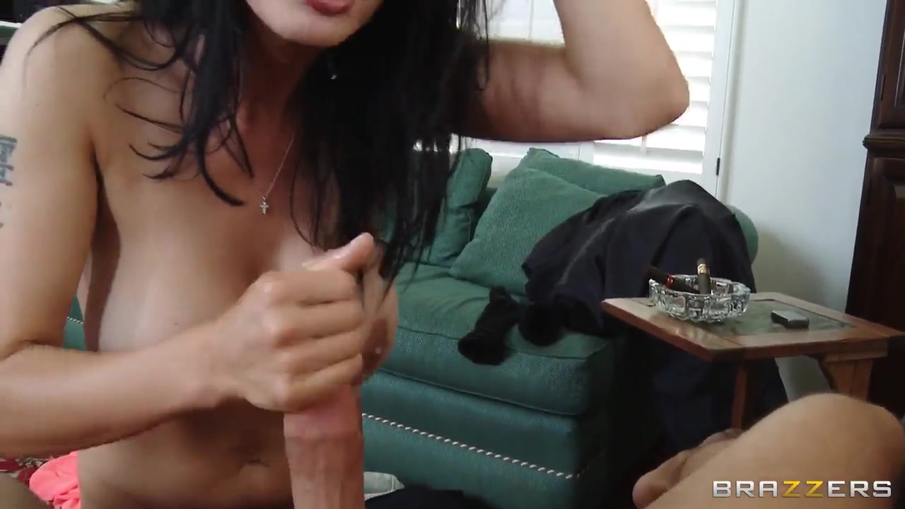 Nude photos Duschen bbw girl