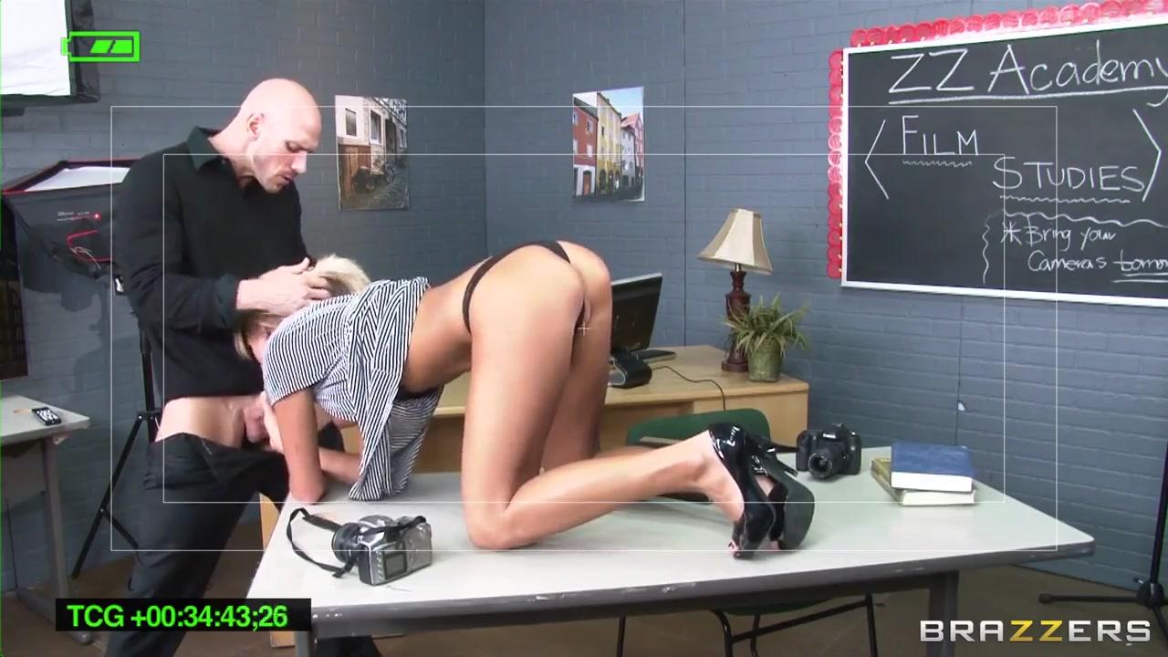 xXx Videos Amature crossdressing strip tease