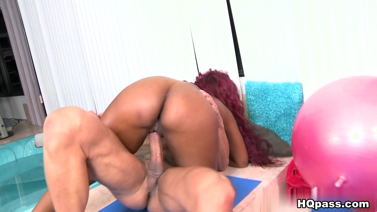 Porn tube Biggest and hard schlong impresses nasty hottie