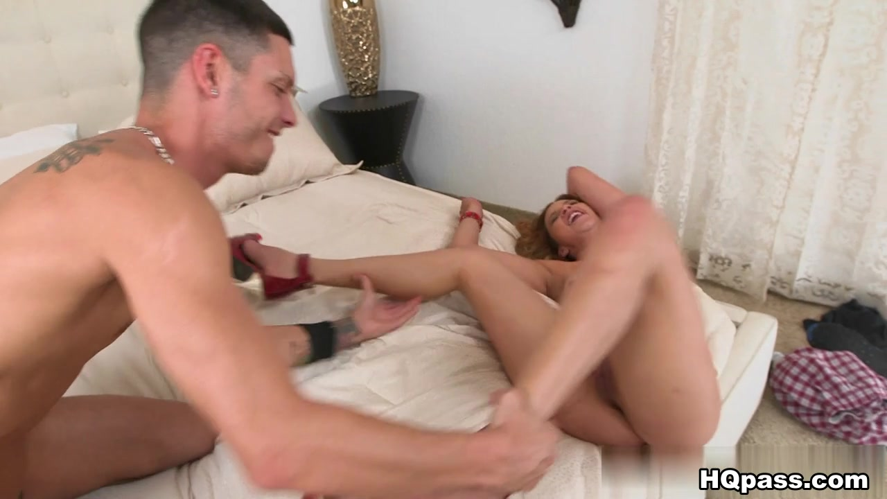 Naked Galleries Ellie idol is back blowjob
