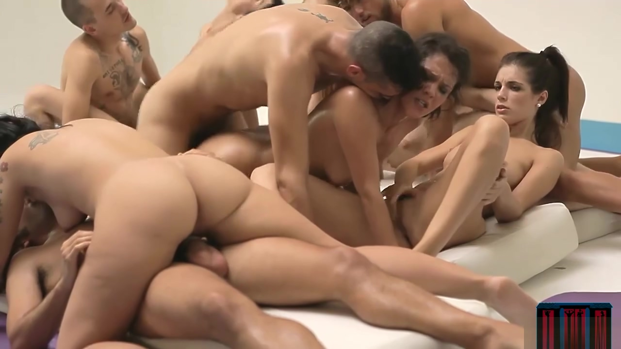 Fit babes suck and fuck in an orgy after a hard workout Joshua harris i kissed dating goodbye epub