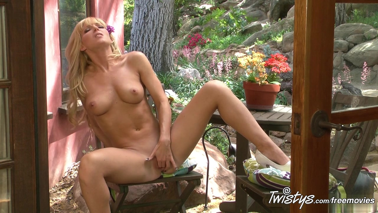 Porno photo Nicole edgerton chatting hookup in lebanon