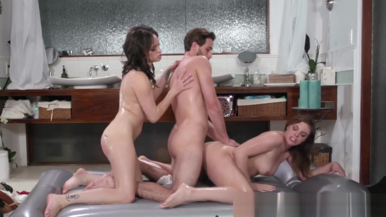 Massaging babe bangs dick chorro de leche por el culo porno bizarro sexo extremo