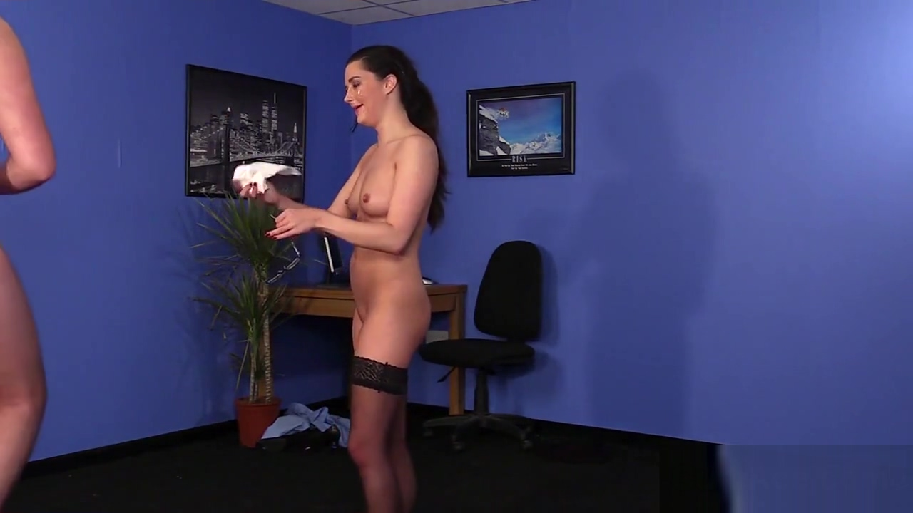 Unusual peach gets cumshot on her face swallowing all the jism Crystal lick feed