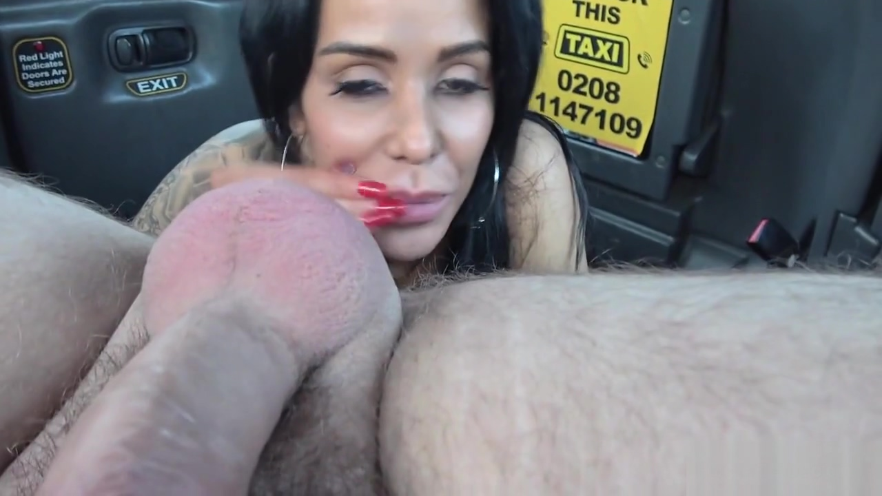 Huge tits alt hottie fucks in fake cab Ggg piss bukkake