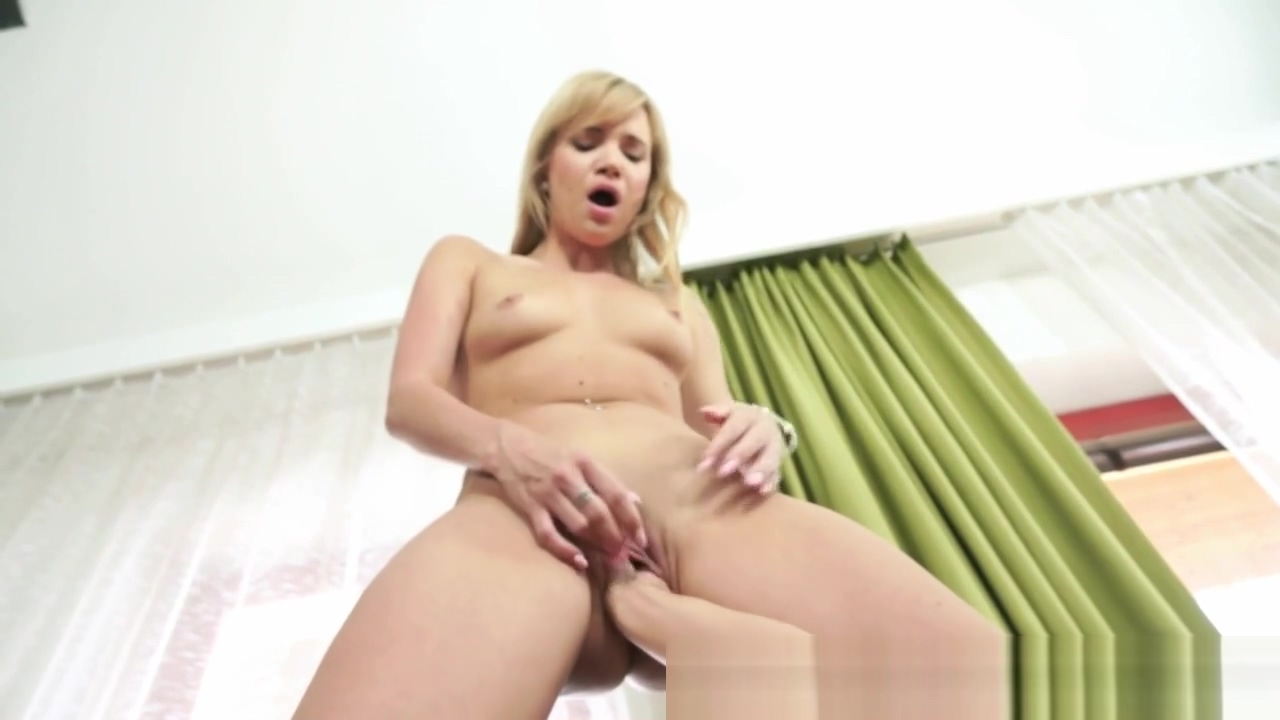 Fetish lesbian rides fist Naked bad bitches youtube