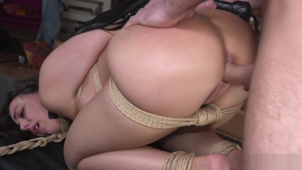 Big cock guy puts hottie in bondage sex New Hd Xnx Massage