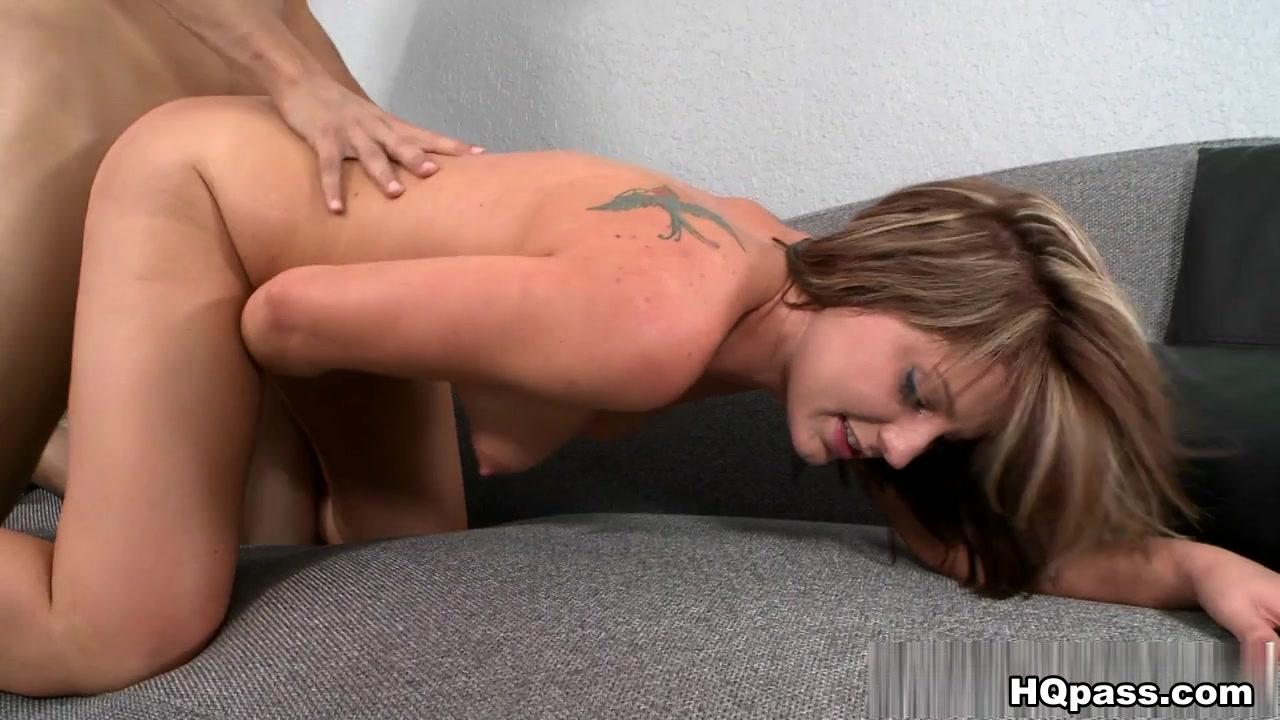 XXX pics Guy on top of girl fucking