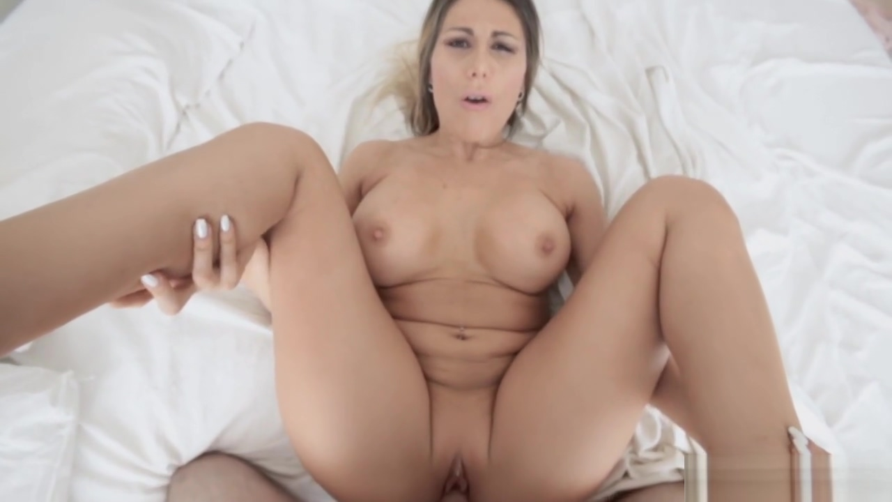 Stepmom got stepsons creamy load on her face dt video free porn