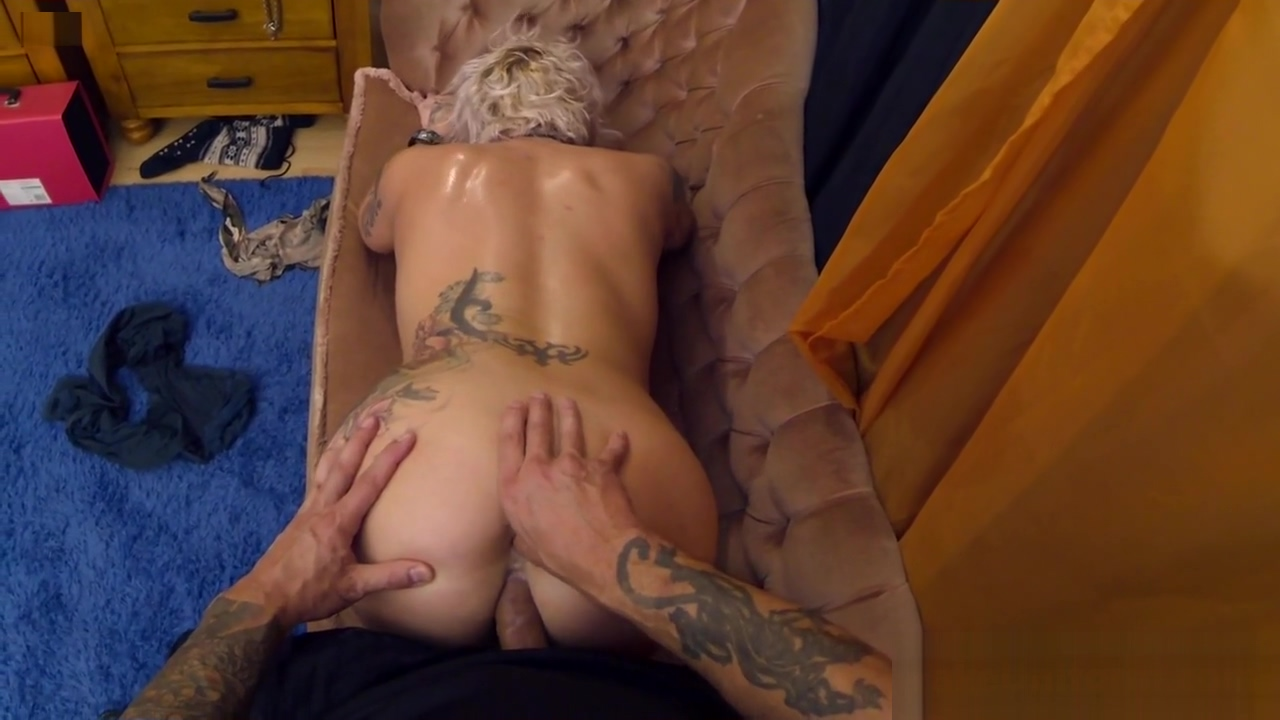 Mature alt euro gets her ass pounded