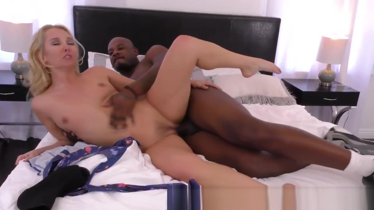 Interracial pussy licked blonde babe sucks