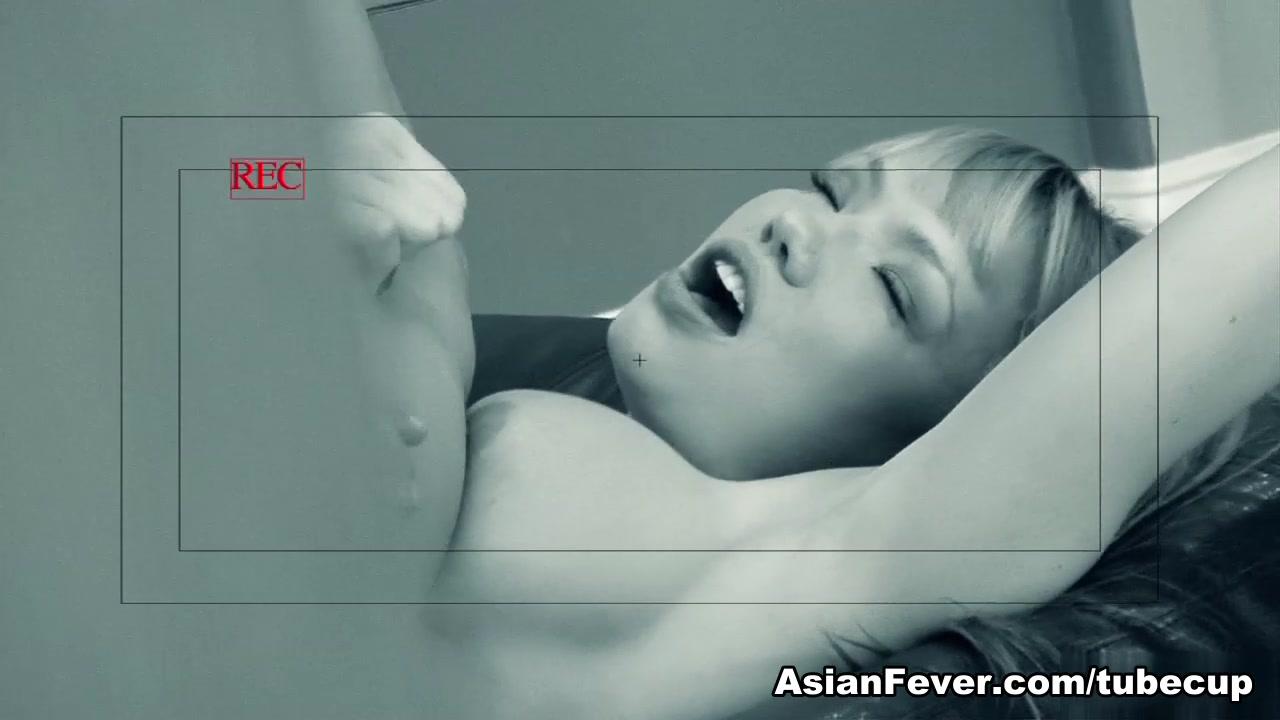 Naked xXx Small girl sex videos desktop