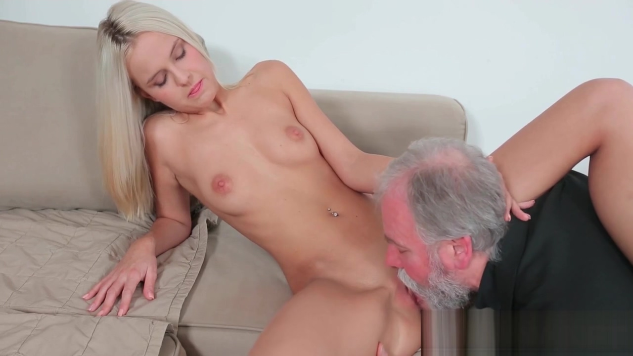 Passionate sweetie joleyn burst enjoys oral action