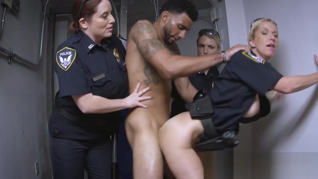 A female police officer found a black guy without any ID anime 3d free porn