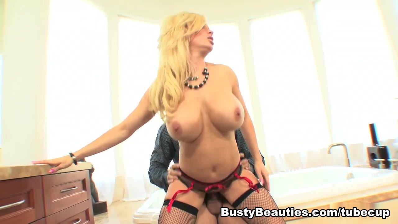 XXX pics The balm sexy mama review