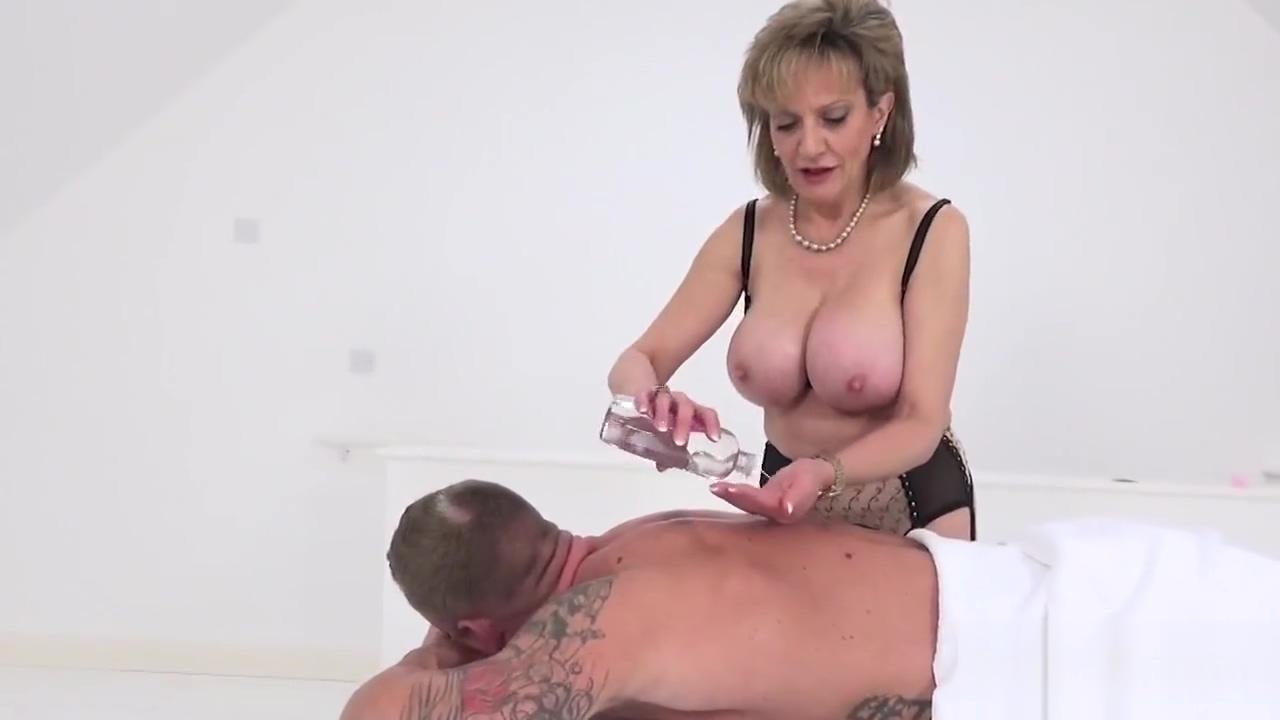 Unfaithful british milf lady sonia showcases her gigantic boobs Tight clothing fetish pics
