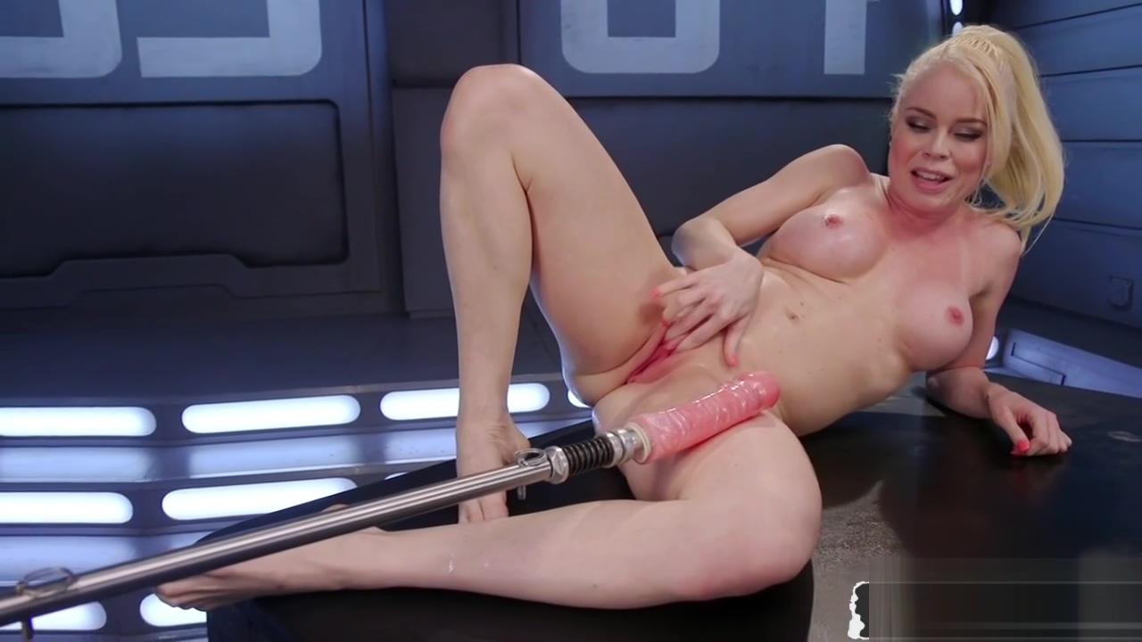 Blonde babe machine fucked deep