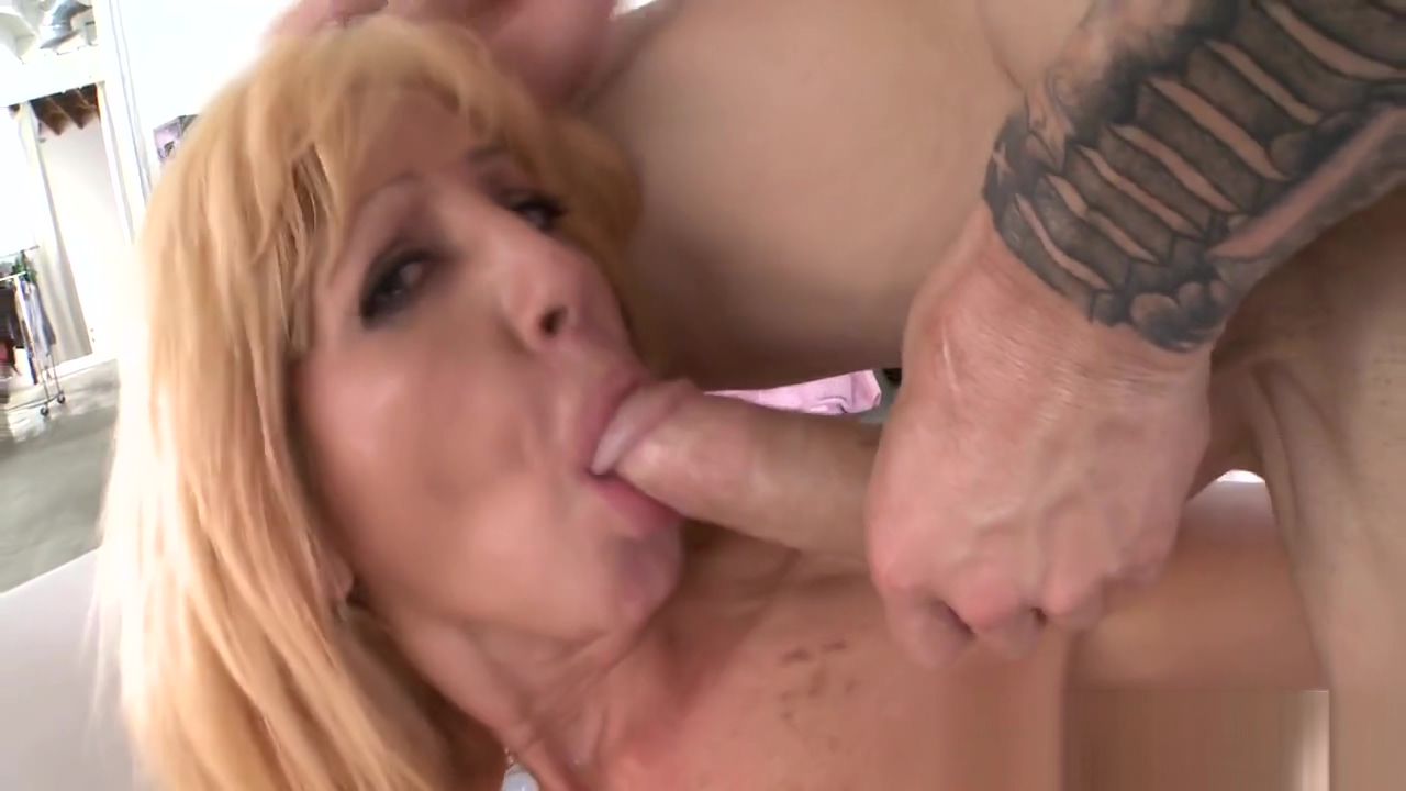 Ambitious blonde tara holiday attacks shaft with mouth Homemade Hidden Sex Tape