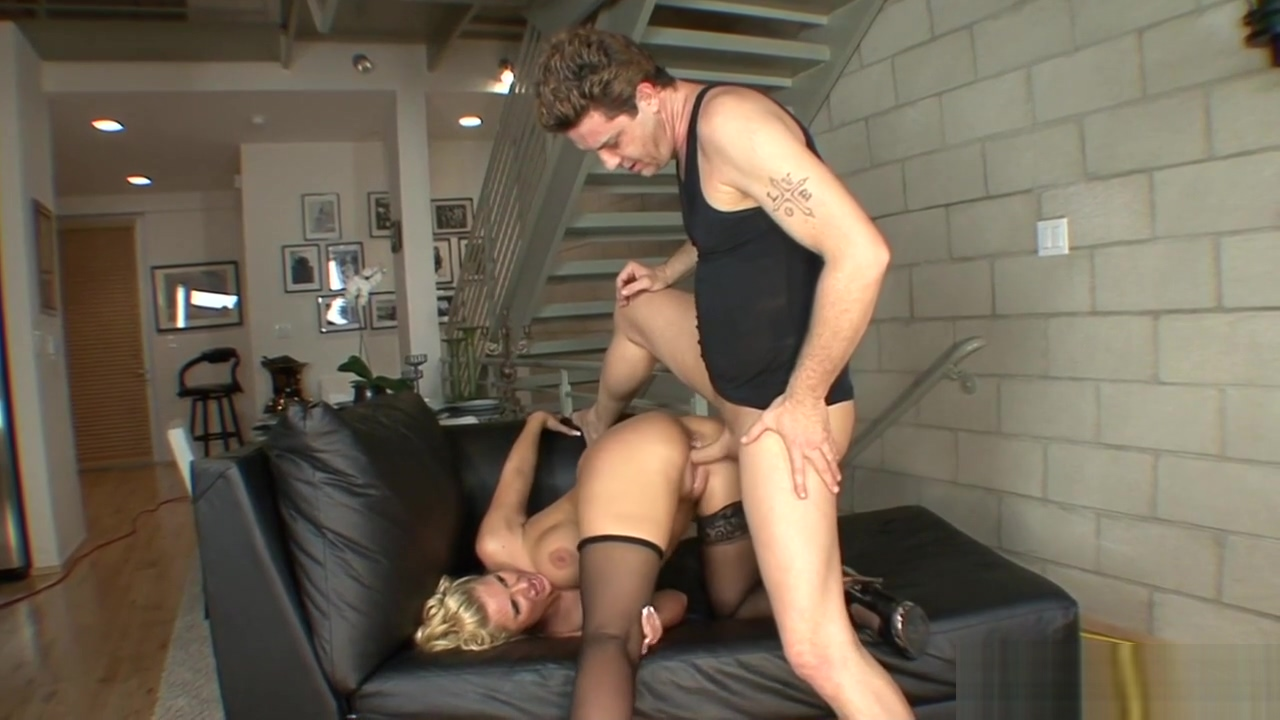 Horny blonde MILF with a great ass fucked hard Mature French Swingers