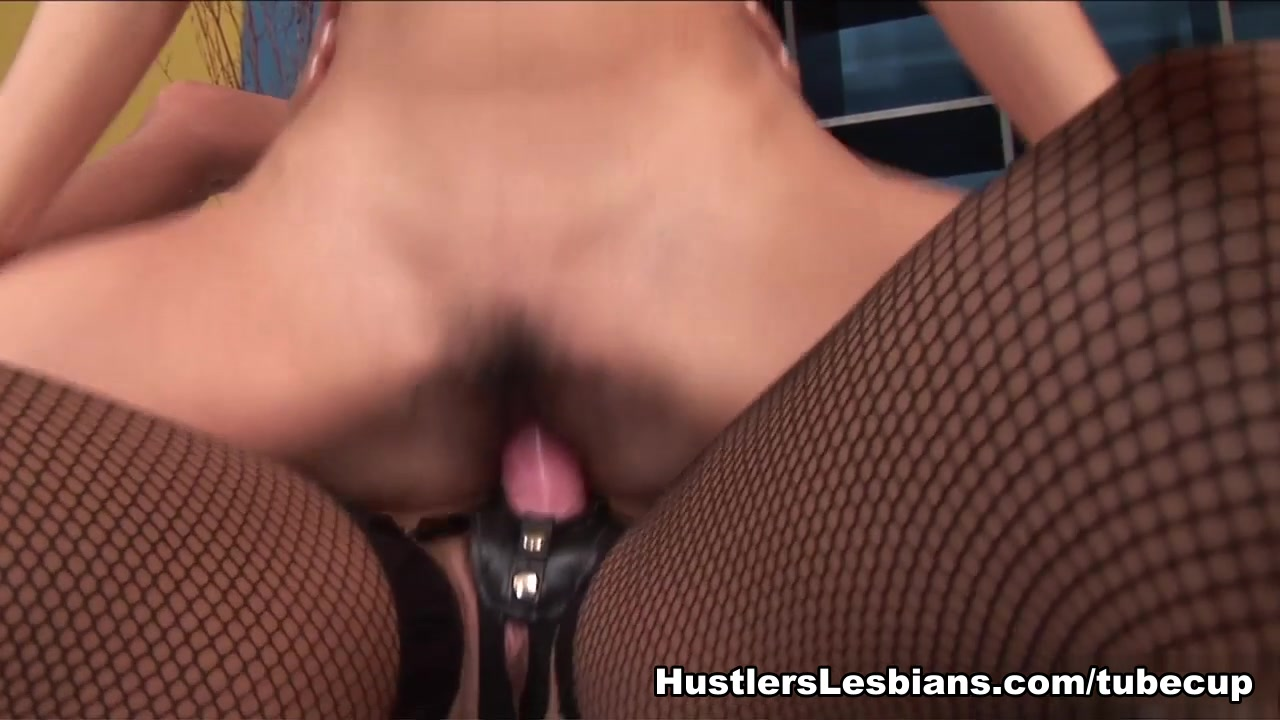 Xxx masturbated lesbios Shaved
