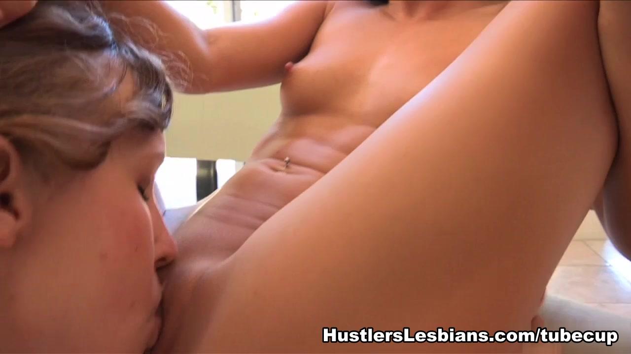 Showet lesbiean sluts masturbation