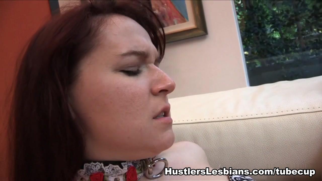 Masturbates girl hot college