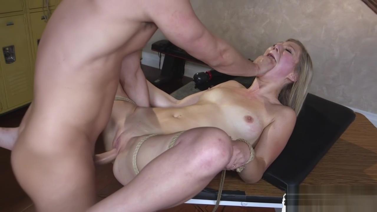 Slut gets assfucked by prison guard
