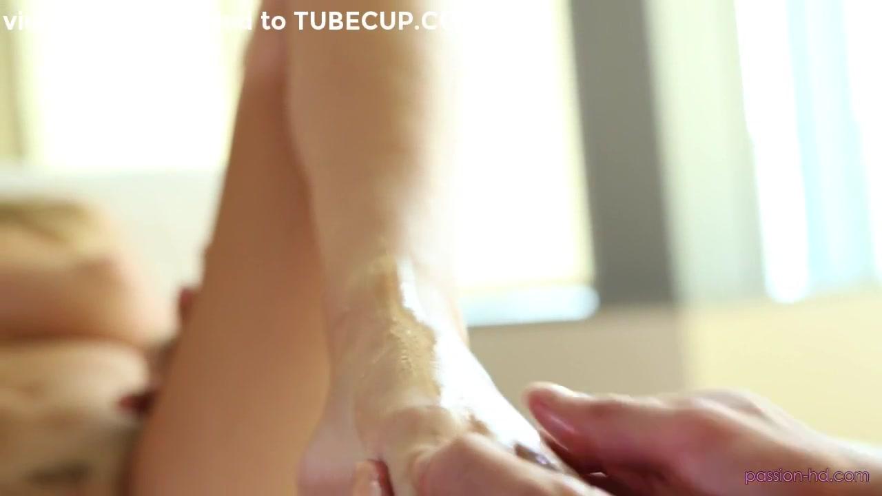 Urine golden shower xXx Videos