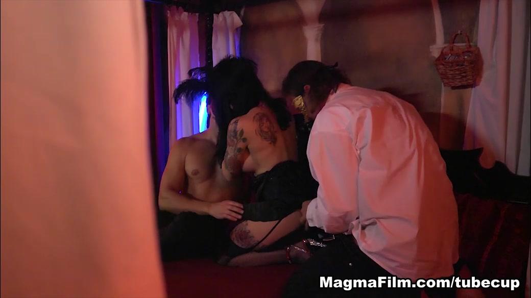 Porn galleries Vardi hot seen dating