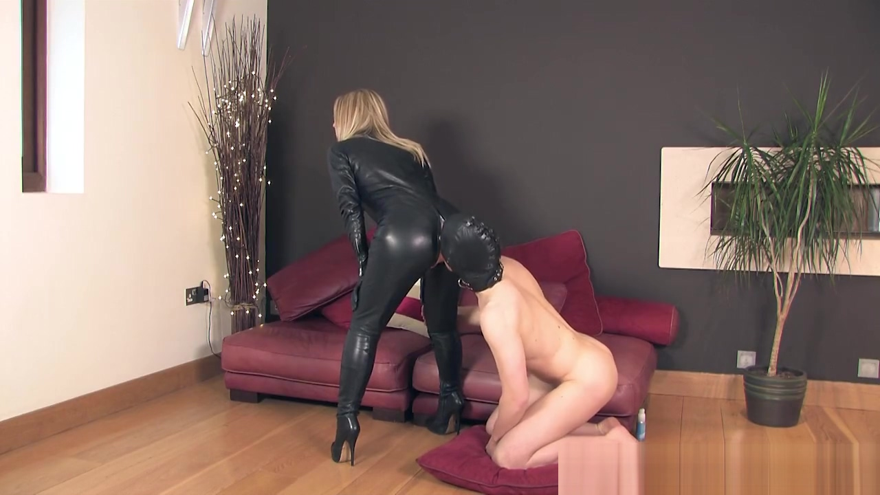 THEENGLISHMANSION - LEATHER CATSUIT FUCK