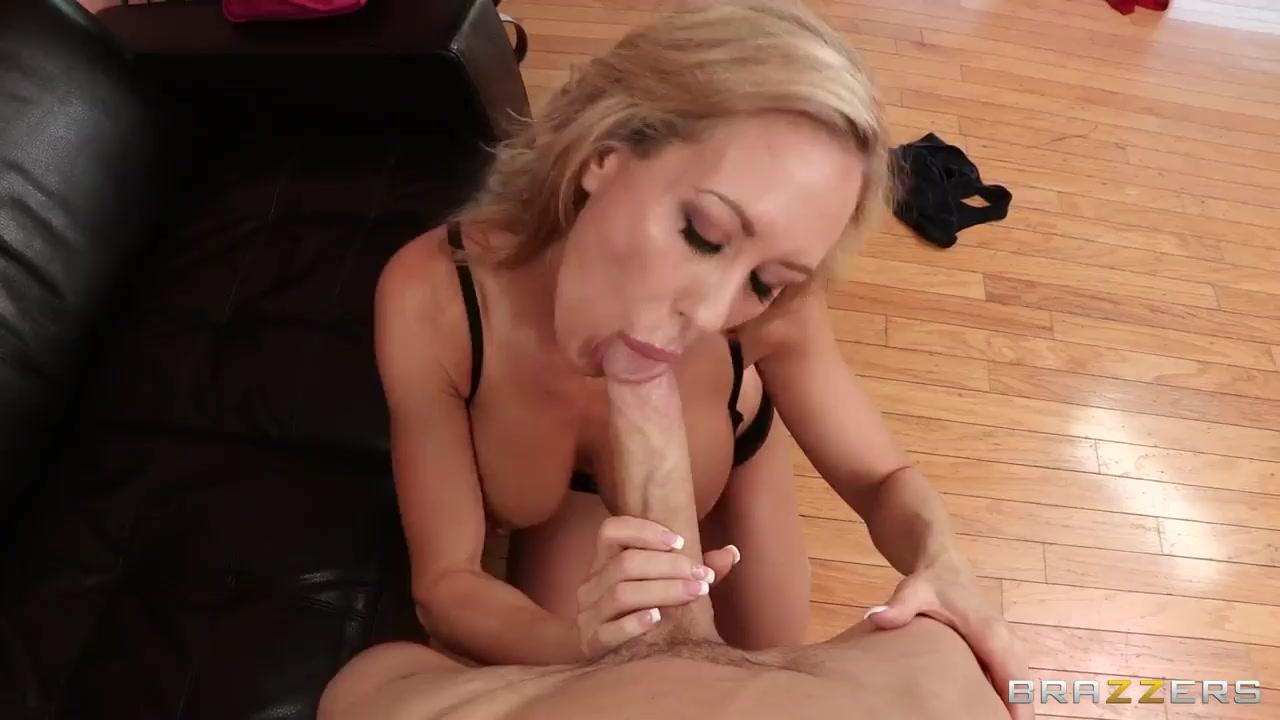 Sexis Striptease masturbation lesbi