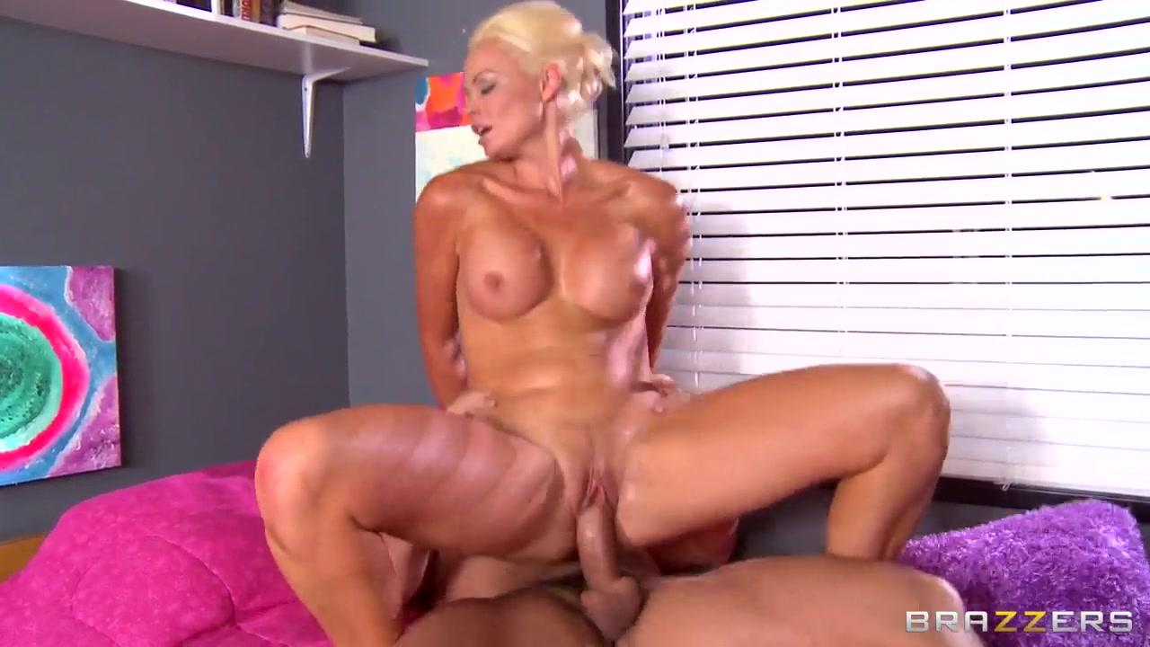 All porn pics Latex mom deep throats