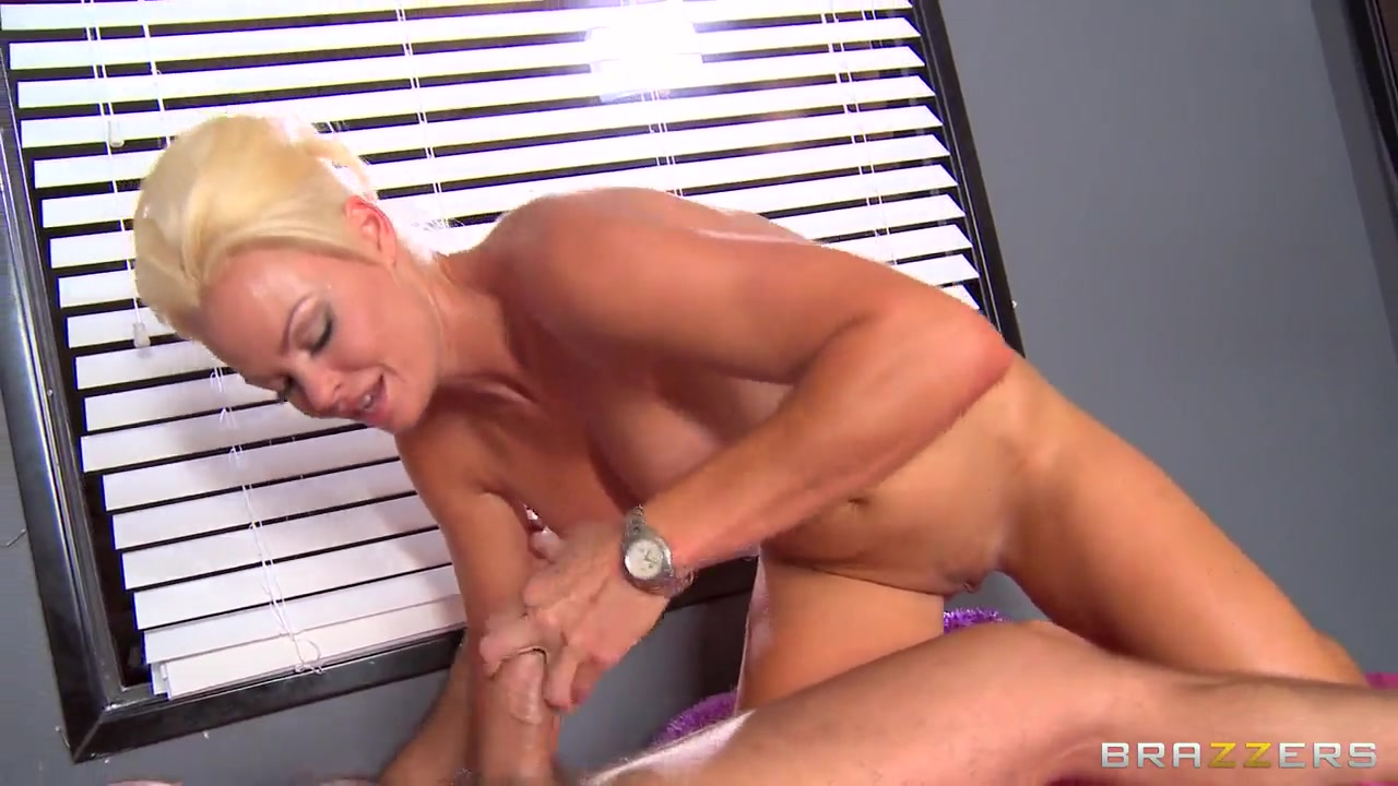 Handsome student bangs with Alexis and Quinn Sexy xXx Base pix