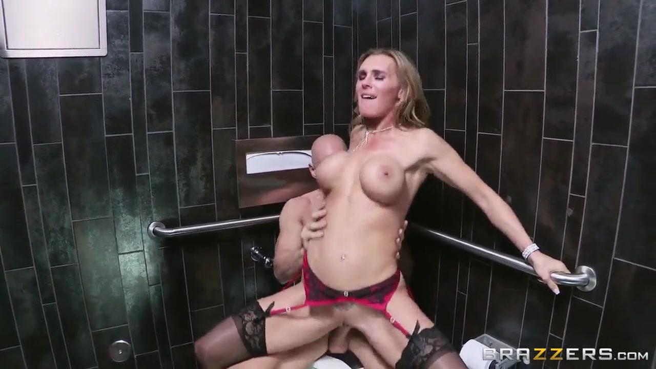 Riya Sen Hot Nude Naked Pictures