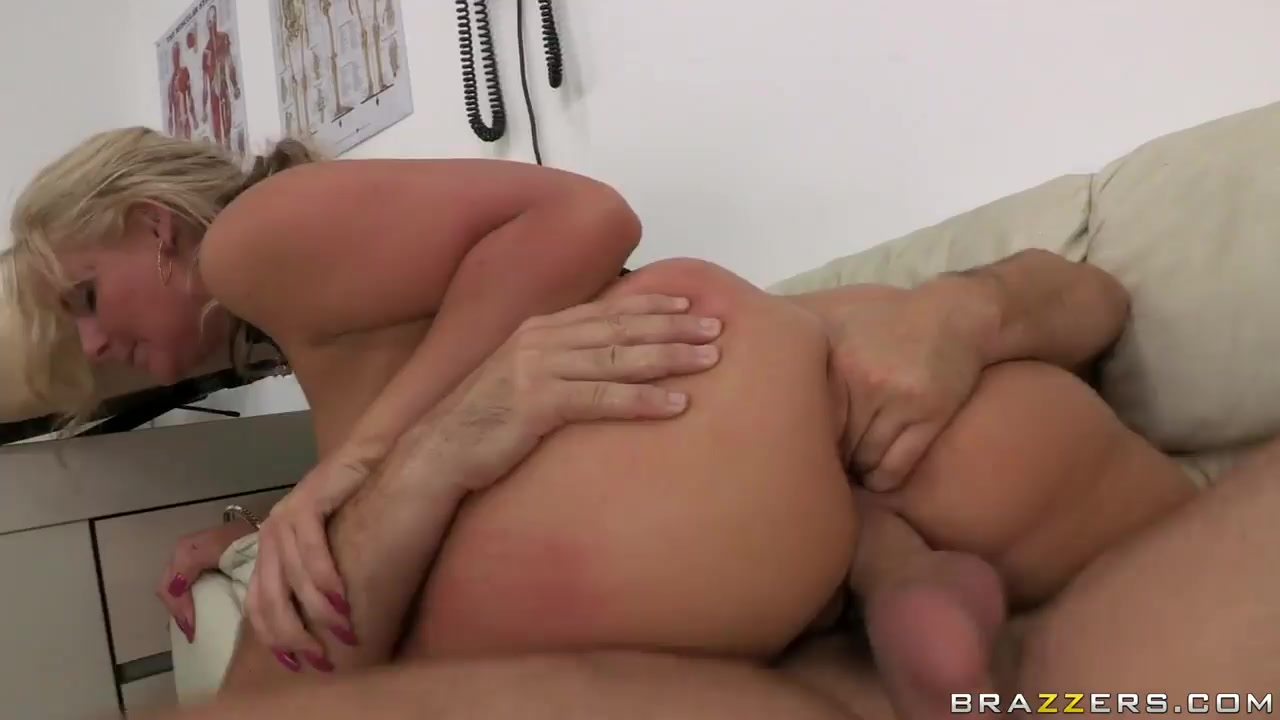 Step sister caught masterbating and gets creampied Sexy xXx Base pix