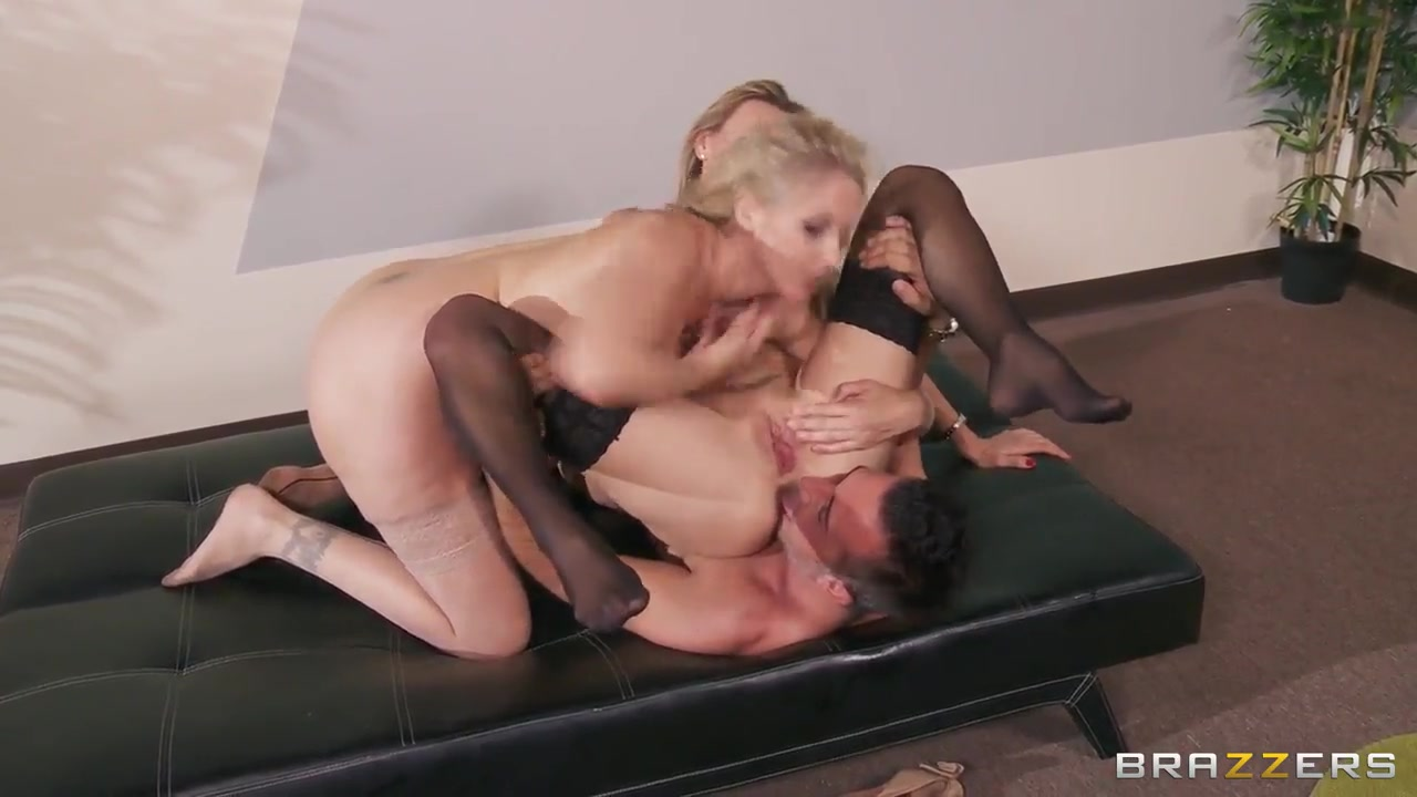 Sex photo Ebony gets hard fucked