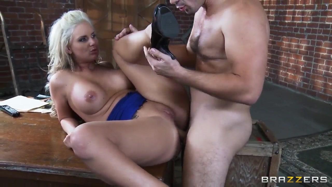 Bastelshop online dating Nude pics