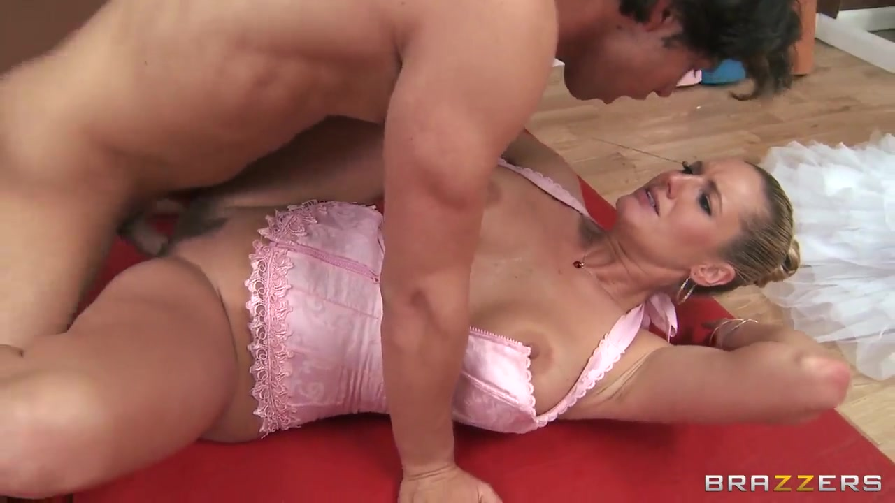Busty Lesbian Teens Going Hardcore0 Porn FuckBook
