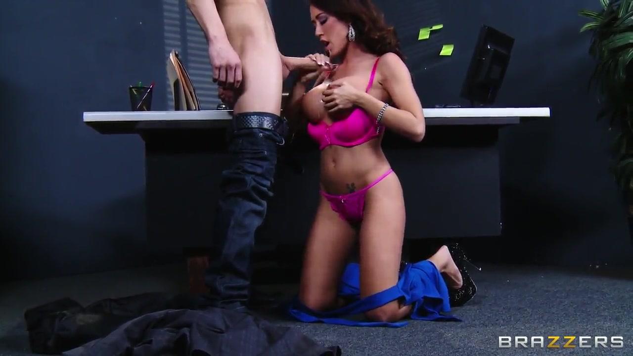 New xXx Pics Lesbian Girlfriend Massage