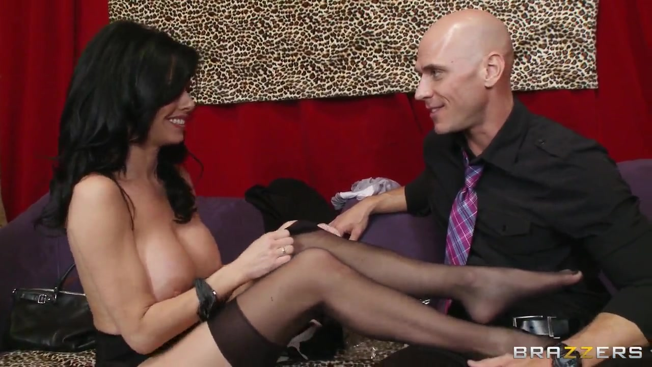 New xXx Video Sexy mature in stockings masturbating