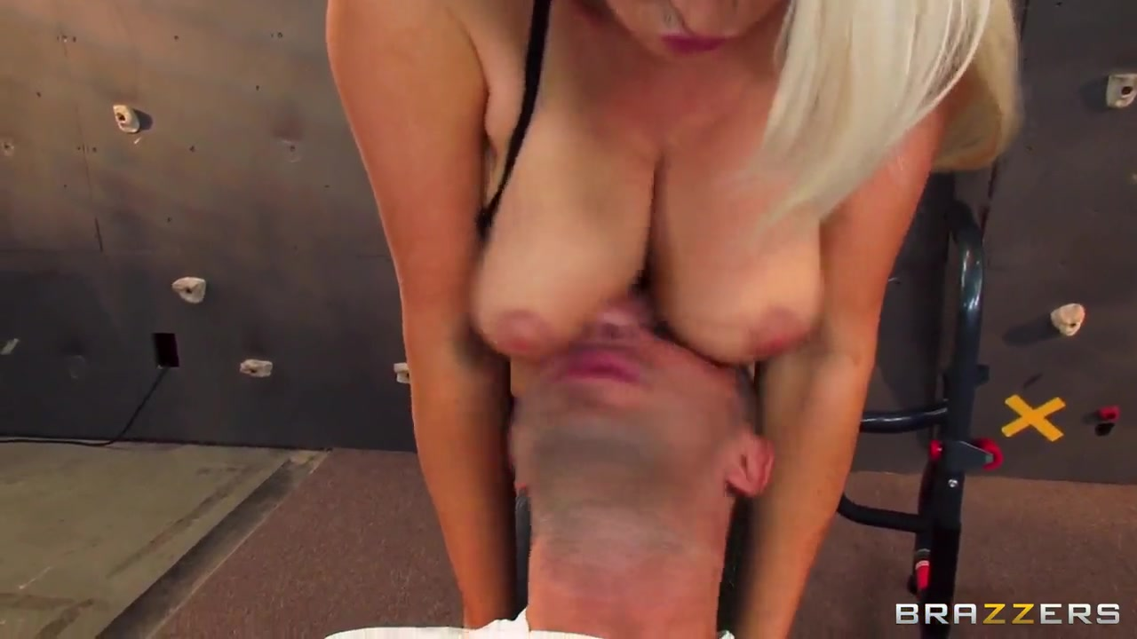 Big bbw mistress smother her lucky slave Adult archive