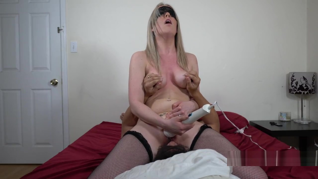 Hot blonde face sitting and riding her daddys mouth until he makes her cum