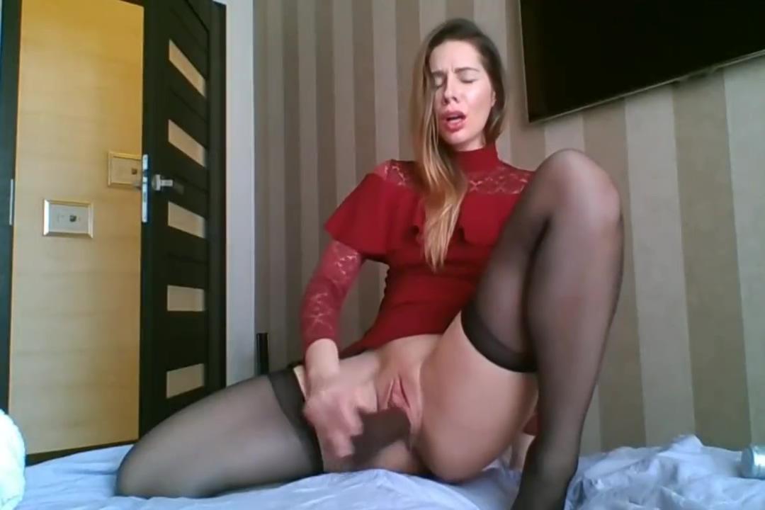 Hot Sandra in stockings