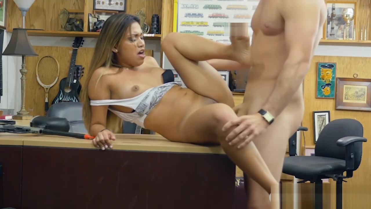 Amateur babe gets screwed by pawn dude at the pawnshop Sexy white shirts for women