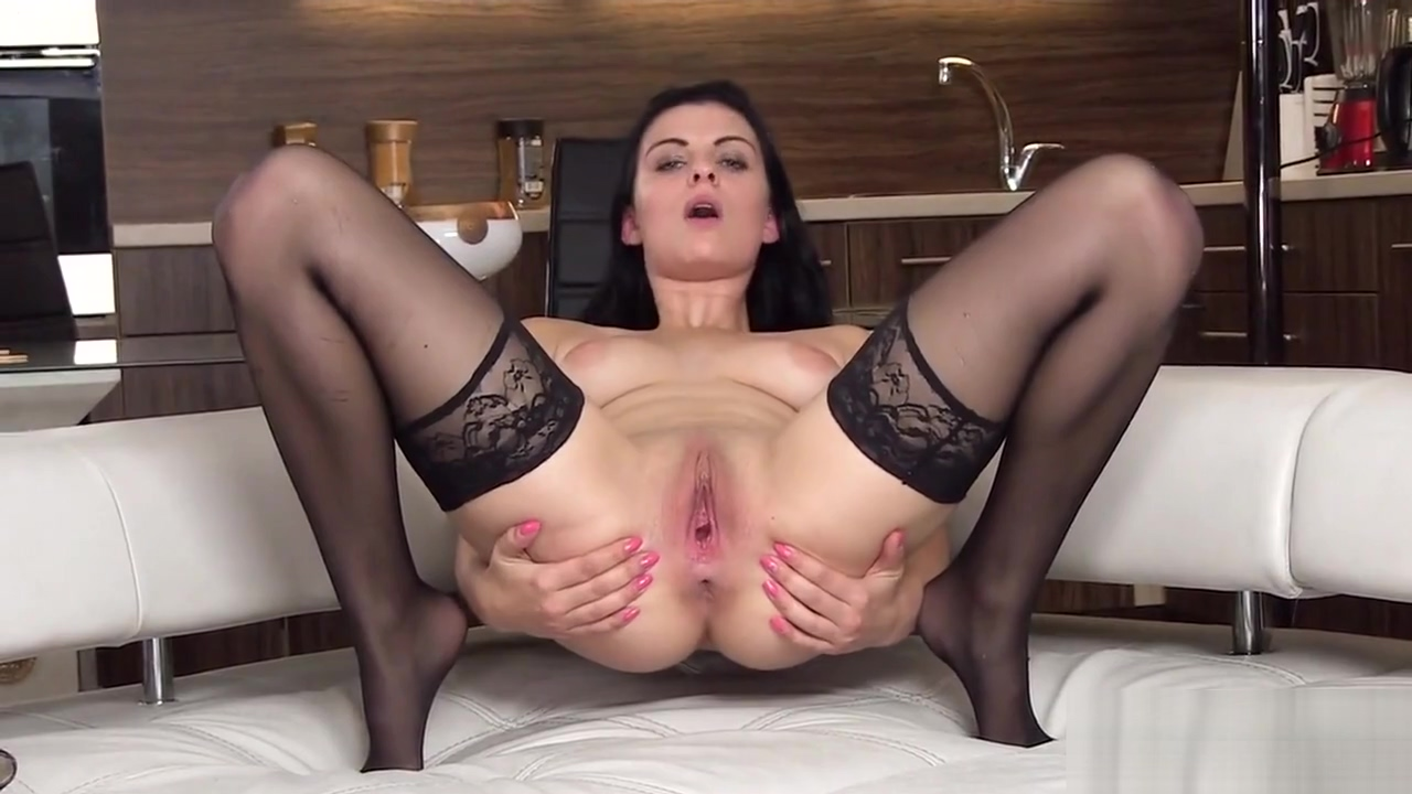 Flirty czech kitten gapes her spread pussy to the unusual Xnxxsexy Full Hd New