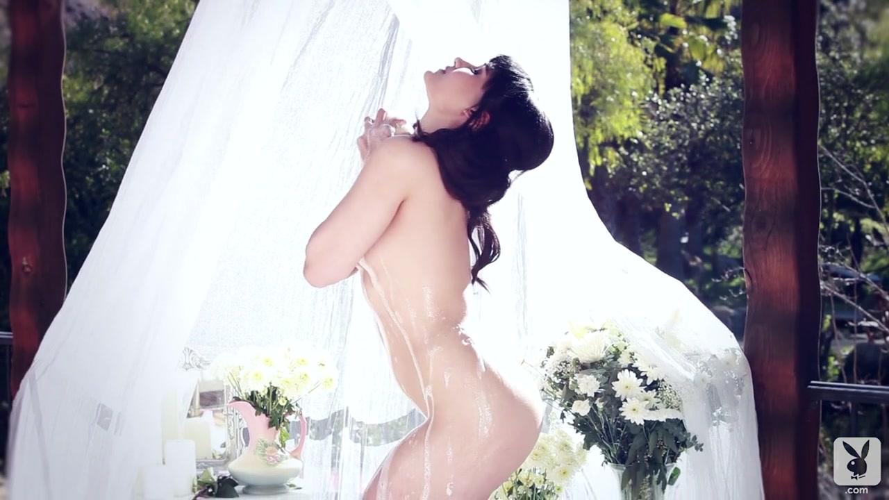 Sunny Vs Eva N Tribbing Nude gallery